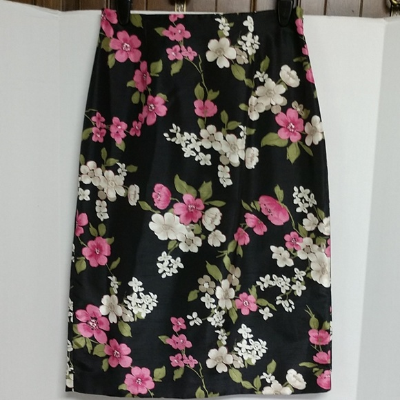 Skirts Pink And Black Skirt Size 12